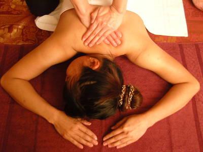 Ganzkörpermassage bei Raashathai